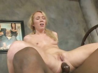 Filthy Nicki Blue loves getting her asshole stretched