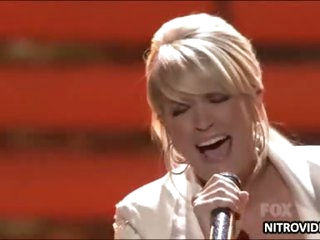 Carrie Underwood Hot Performance In American Idol