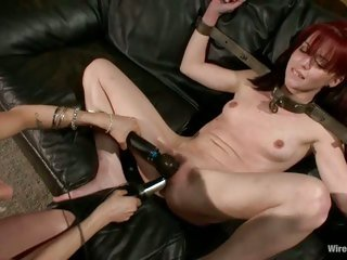 Gorgeous dolls Donna and Jessi Palmer gets their juicy snatch punished