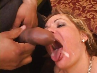 Tantalizing Kelly Leigh gets a face full off warm spunk