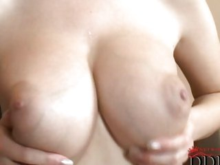 Hot ass Darina Vanickova milks rock hard cock into hungry mouth