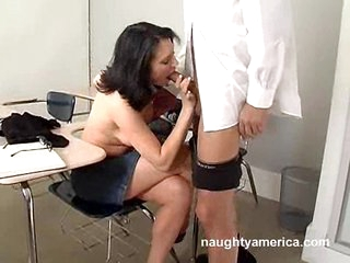 Dirty babe Ava Rose gives a blowjob to a big and thick jock