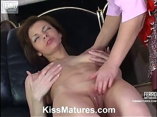 Shenythia&Gertie live lesbian mature action