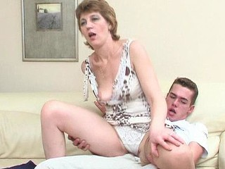 Sex-addicted aged chick giving well-hung guy a thrill right on the sofa