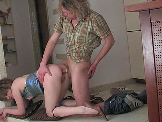 Wicked chick willingly kneels down for butthole surfing right on the floor