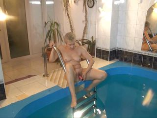 She's old, saggy and wrinkled but that doesn't means her pussy can't get wet anymore. Jitka uses a dildo to rub and fuck her old cunt and when she sees that she's still not wet she does it under water. Now how said that old ladies can't get wet? Stay with this granny and find out how good she is at masturbation