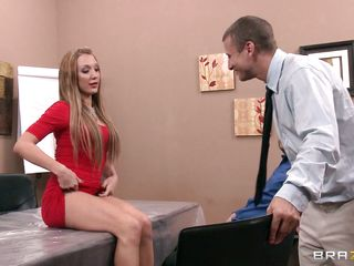 The couple is given a lecture on squirting then asks the husband to squirt her wife, he is guided by the instructor on how to put fingers in her cunt to reach the g spot but the husband fails, then the other guy does the rest of the job and made her squirt easily and she enjoys it very much.