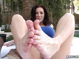Jayden Jaymes is a hot brunette with magical feet that has no panties. Look how she gets her feet oiled while she is dressed in a sexy blue outfit and gets ready for action. Look at her fingering her cunt while he takes her feet and starts rubbing his cock between them. Will he cum inside of her?