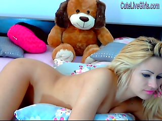 Gorgeous blonde chatting nude